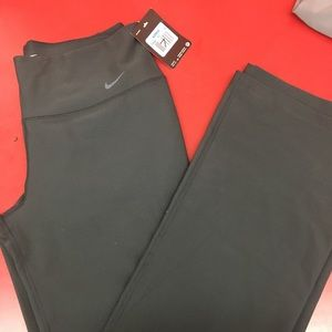 NWT Nike Mid-rise Yoga Pants Size M